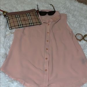Cute peachy pink sleeveless blouse